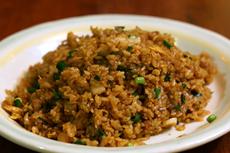 真正的中国炒饭并不都是颗粒状的