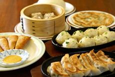 150日元〜的水饺,280日元〜的前菜